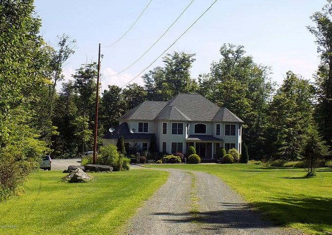 933 Avoy Rd, Lake Ariel, PA 18436