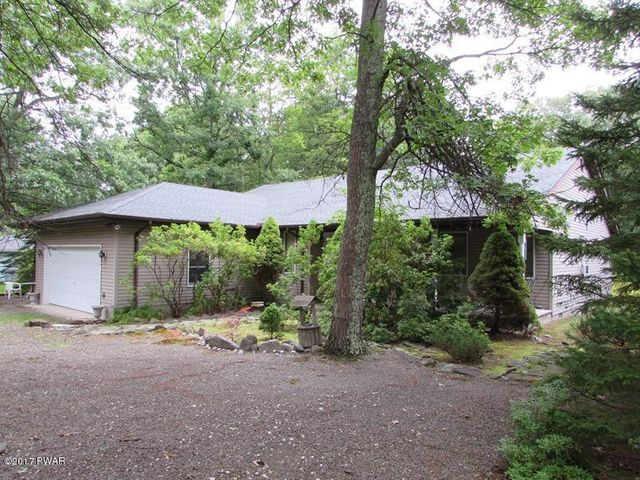107 Rodeo Drive, Lords Valley, PA 18428