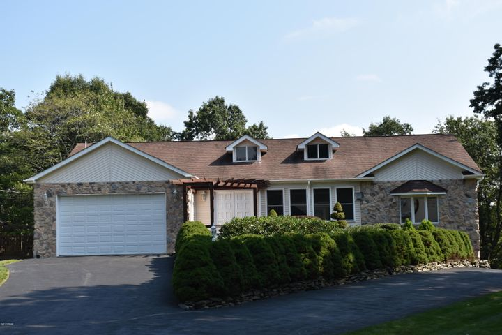129 Overlook Lane, Lords Valley, PA 18428