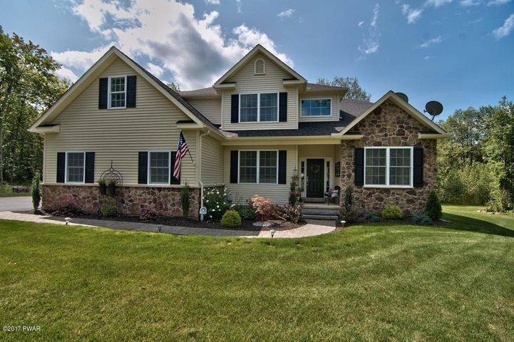 122 STONEFIELD DRIVE, Jefferson Township, PA 18436