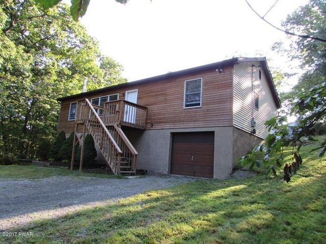 802 Surrey Ct, Lords Valley, PA 18428