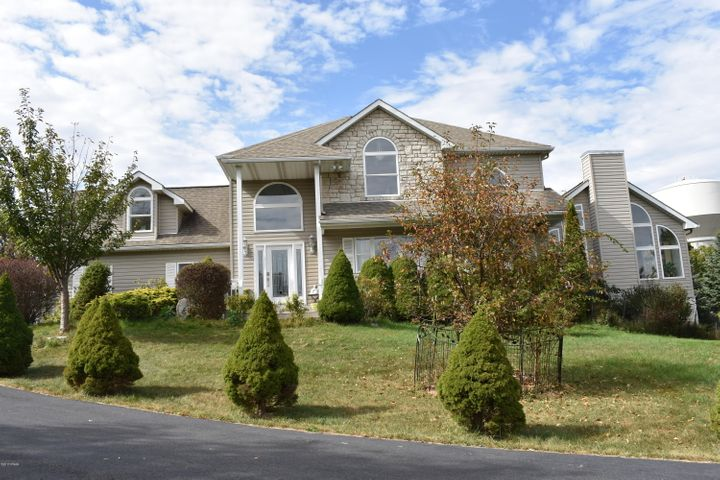 118 Overlook Lane, Lords Valley, PA 18428