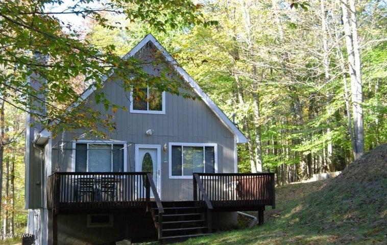 127 Cypress Ln, Greentown, PA 18426