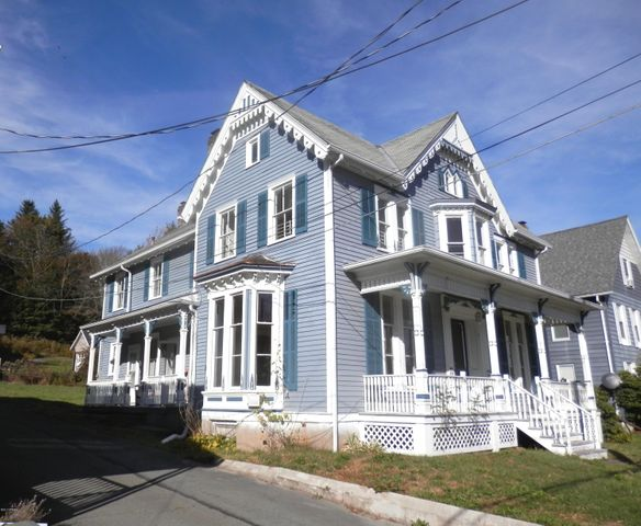 894 Maple Ave, Honesdale, PA 18431