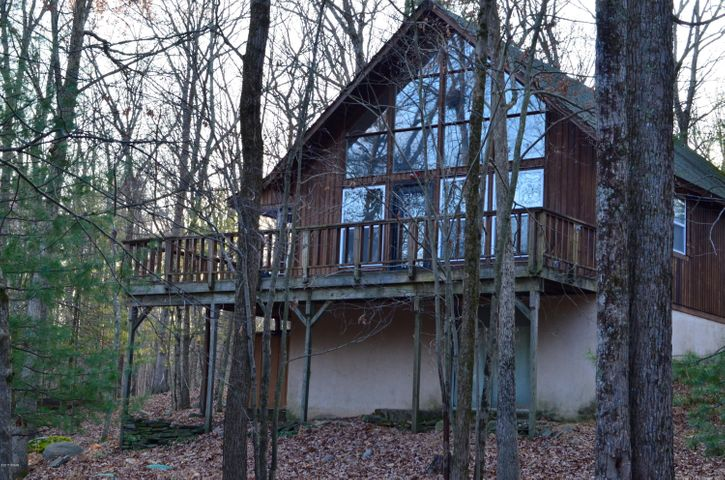 100 King Fisher Ct, Milford, PA 18337