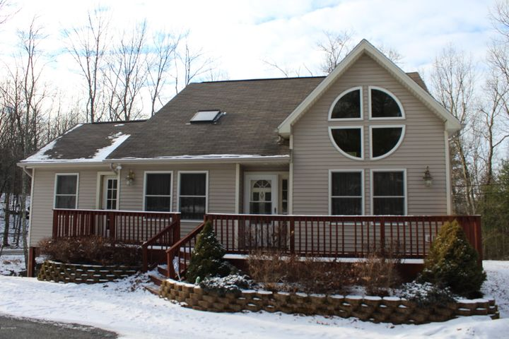334 Forest Dr, Lords Valley, PA 18428