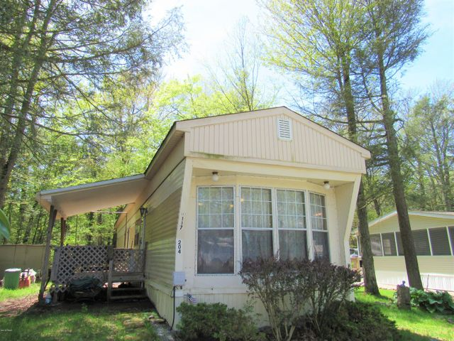 204 Escape Way, Greentown, PA 18426