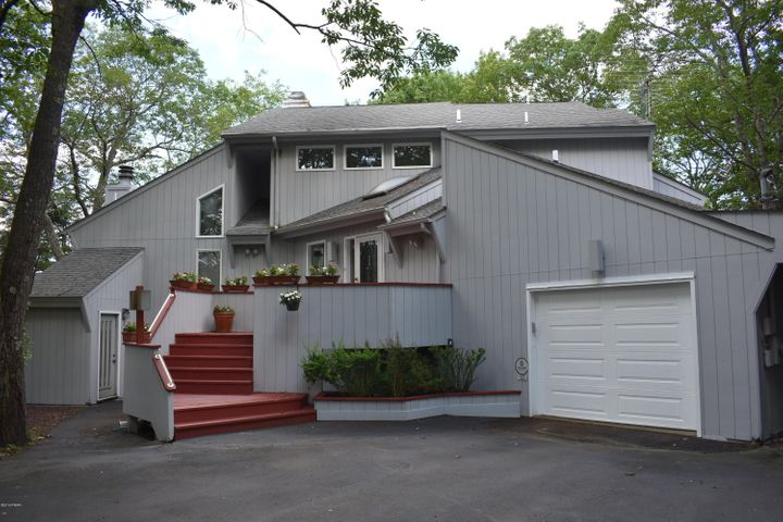 123 Overlook Lane, Lords Valley, PA 18428