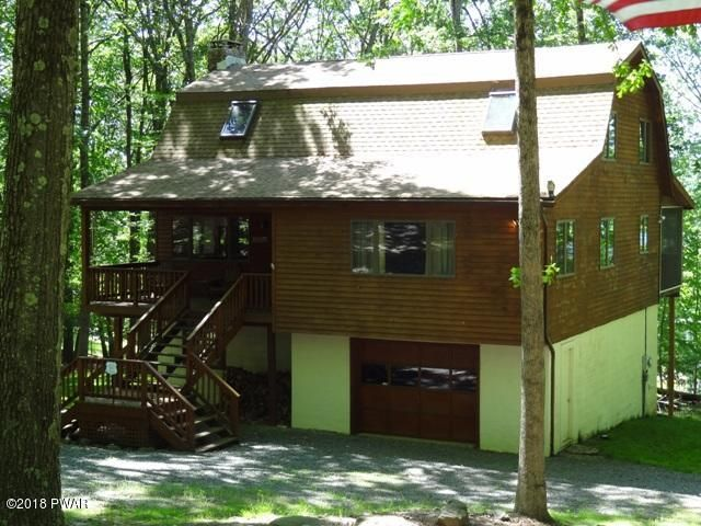 10 Cherokee Ct, Lakeville, PA 18438