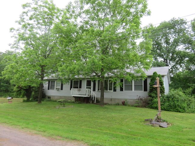 20 Dazel Dr, South Canaan, PA 18459