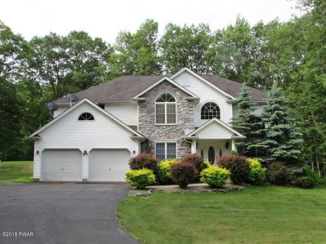139 Overlook Ln, Hawley, PA 18428
