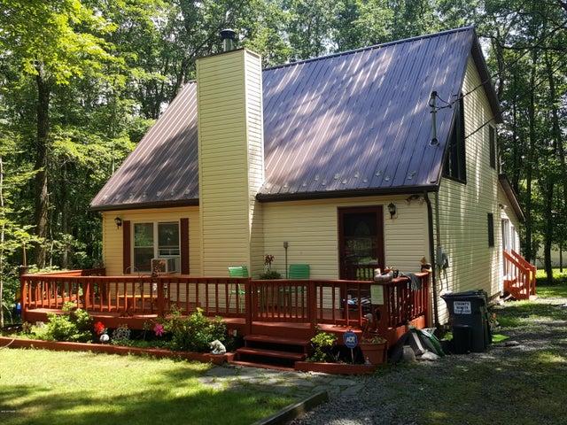125 Evergreen Ct, Hawley, PA 18428