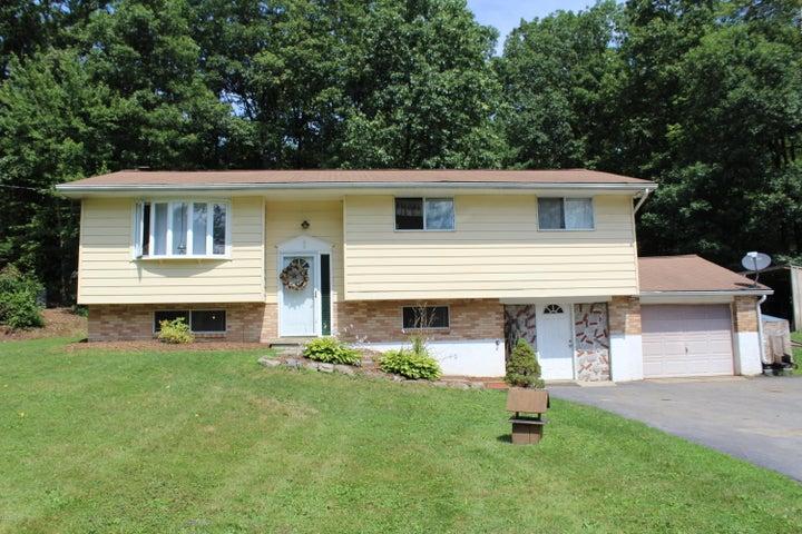 1308 Kroucher Rd, Stroudsburg, PA 18360