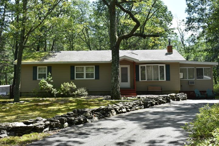 125 Mapleridge Drive, Lords Valley, PA 18428