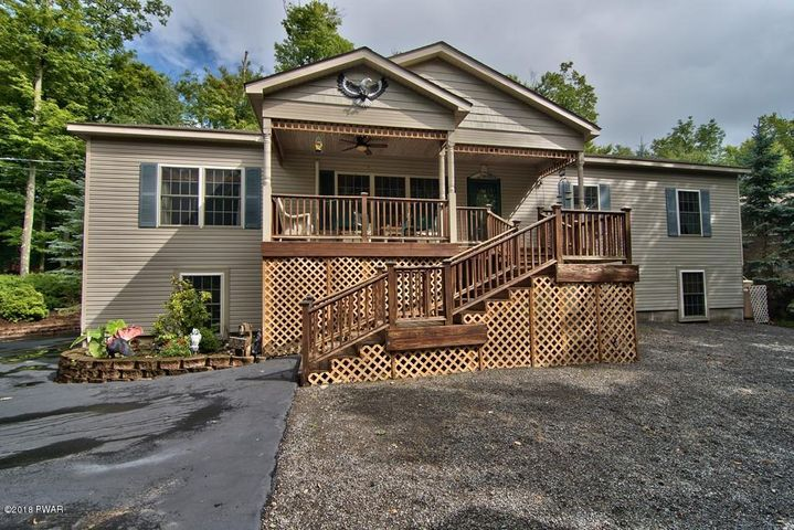 276 Ridgewood Cir, Lake Ariel, PA 18436