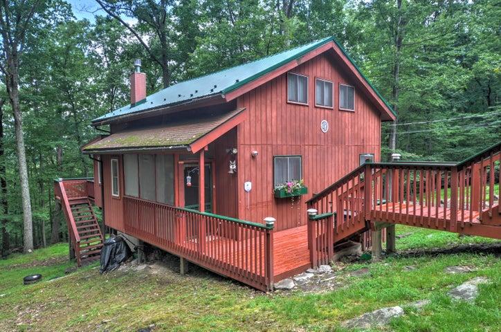 118 Copper Mountain Dr, Tafton, PA 18464