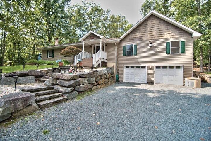 35 Shortcut Rd, Lakeville, PA 18438