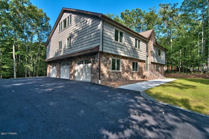 106 Squaw Valley Ln, Tafton, PA 18464