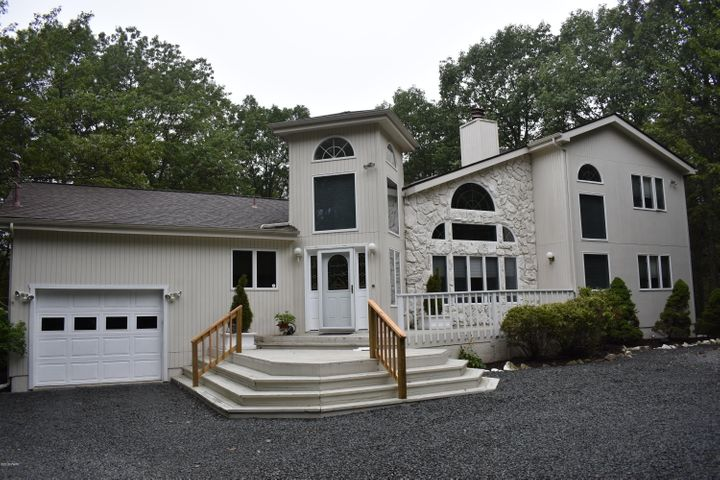 202 Remuda Drive, Lords Valley, PA 18428