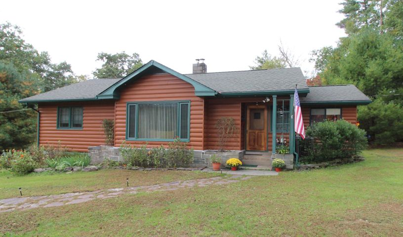 882 Route 590, Lackawaxen, PA 18435