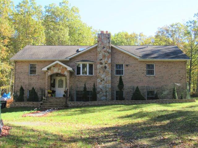 140 Parkwood Dr, Hawley, PA 18428