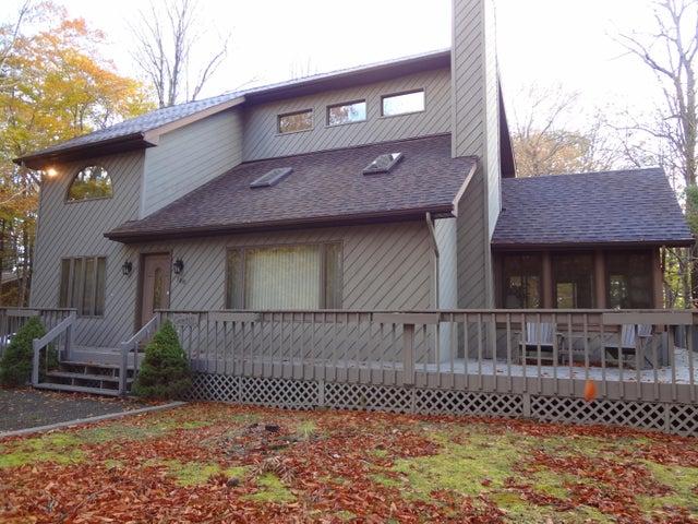 108 Timber Ridge Cir, Greentown, PA 18426