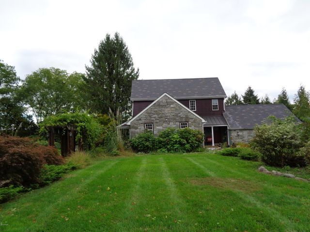 200 Second St, Milford, PA 18337