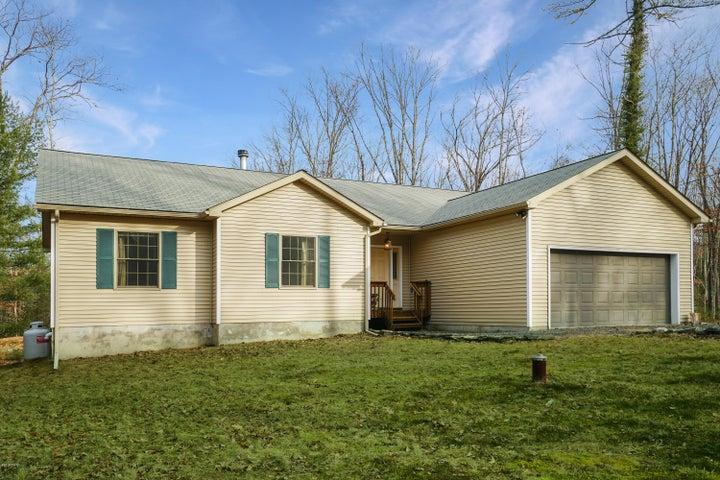 121 Andrea Ln, Hawley, PA 18428 - McAteer & Will