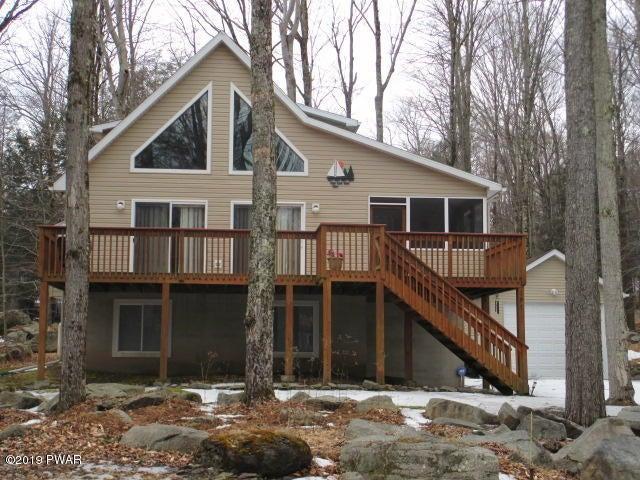 1091 Beaver Lake Dr, Lake Ariel, PA 18436
