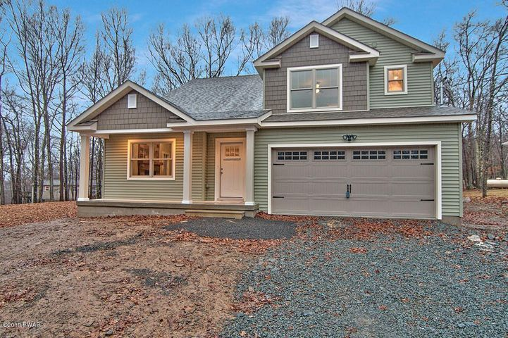 803 Song Mountain Ter, Tafton, PA 18464