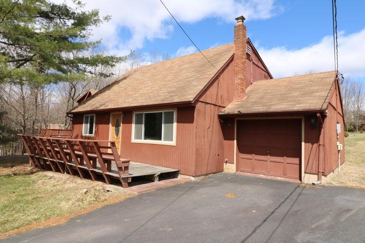 1262 Brookfield Rd, Lake Ariel, PA 18436