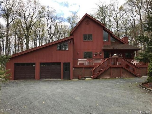 188 Lower Lakeview Dr, Hawley, PA 18428