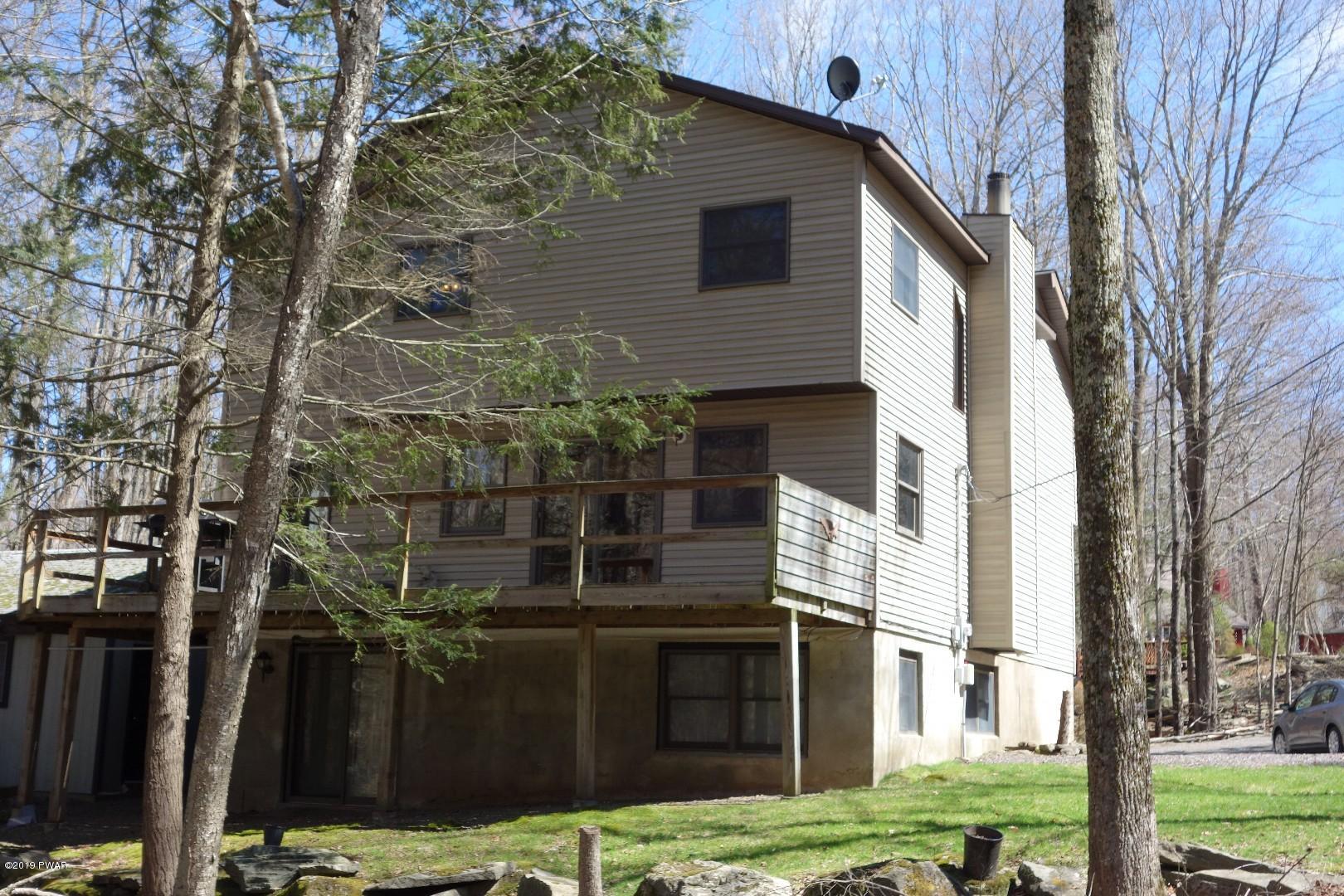 612 Oak Cir, Lake Ariel, PA 18436