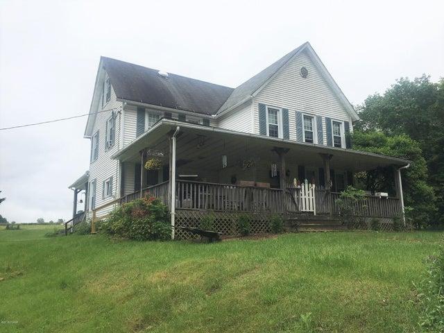 313 Old Racht Rd, Waymart, PA 18472
