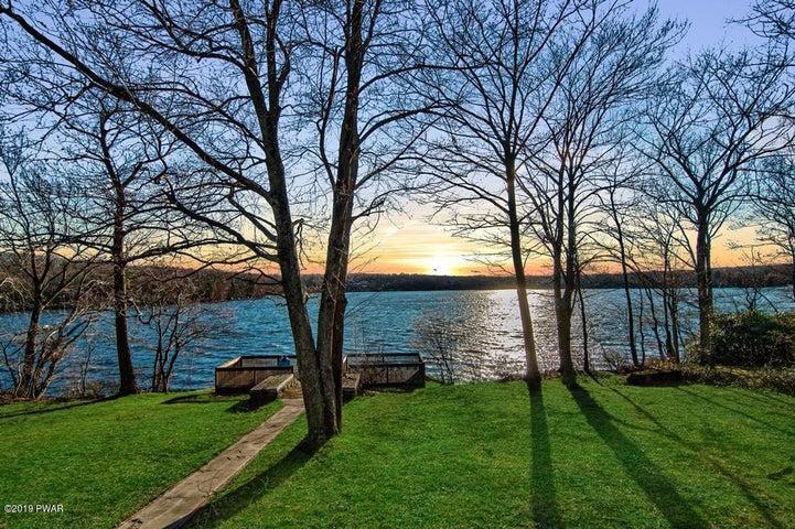 85 Moosic Lakeside, Jefferson Township, PA 18436