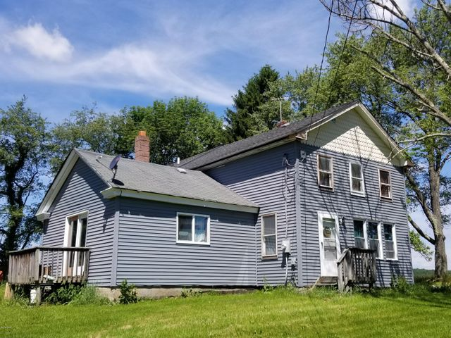 183 J J Rd, Moscow, PA 18444