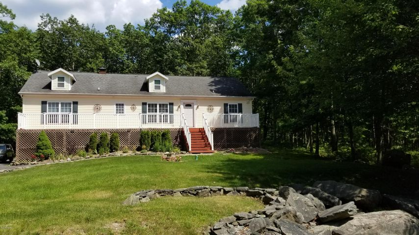 209 Remuda Dr, Lords Valley, PA 18428