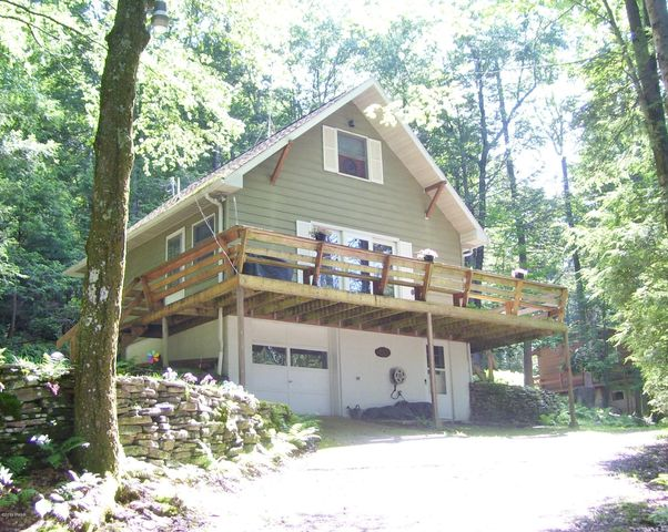 127 Hemlock Brook Trl, Greentown, PA 18426
