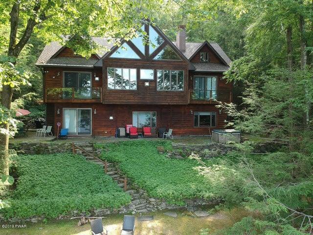 438 Lakeside Dr, Lakeville, PA 18438