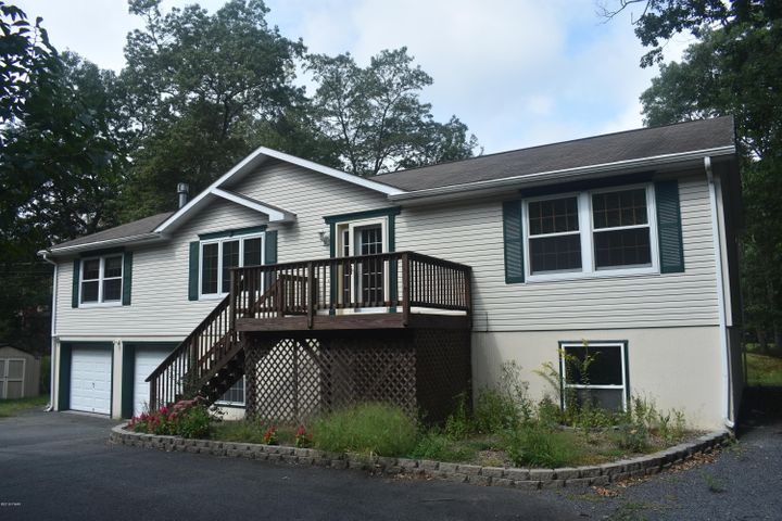 800 Remuda Court, Lords Valley, PA 18428