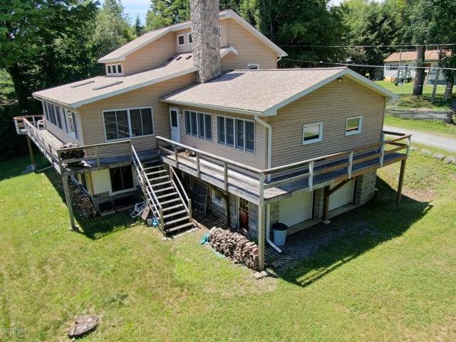 299 Sterling Shore Rd, Lake Ariel, PA 18436