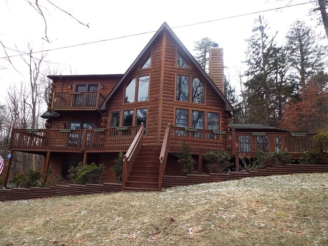 328 Springbrook Rd, Shohola, PA 18458