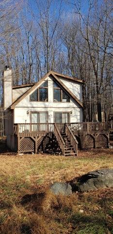 76 Lakewood Dr, Lake Ariel, PA 18436