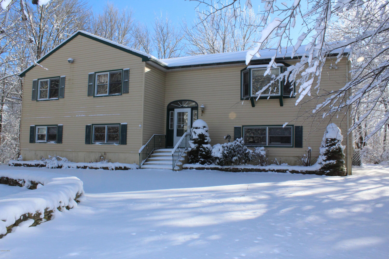 164 Boulder Rd, Lake Ariel, PA 18436