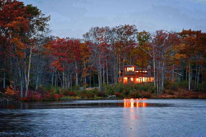 Exceptional Lakefront Home