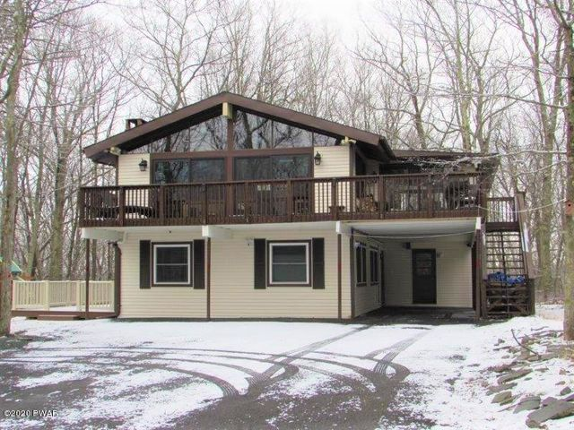 441 Canoebrook Dr, Lords Valley, PA 18428