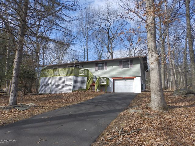 242 Mountain Lake Dr, Dingmans Ferry, PA 18328