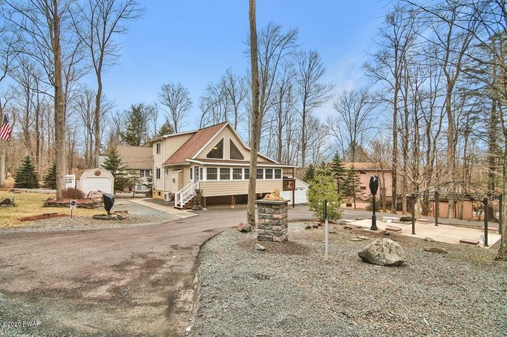 1175 Commanche Cir, Lake Ariel, PA 18436