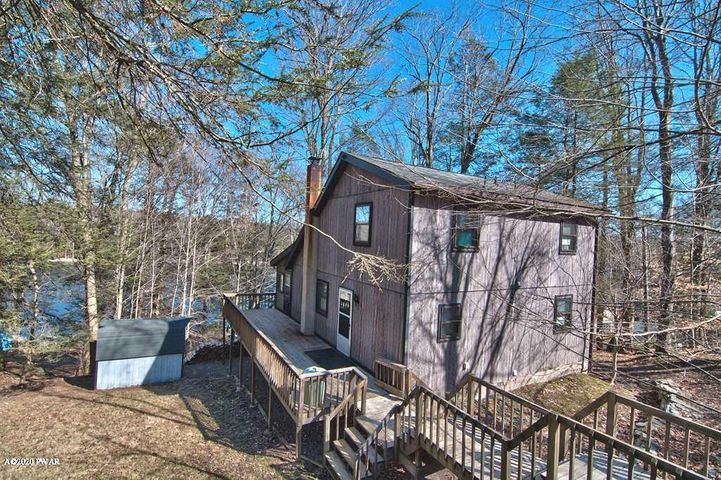 773 Deerfield Rd, Lake Ariel, PA 18436