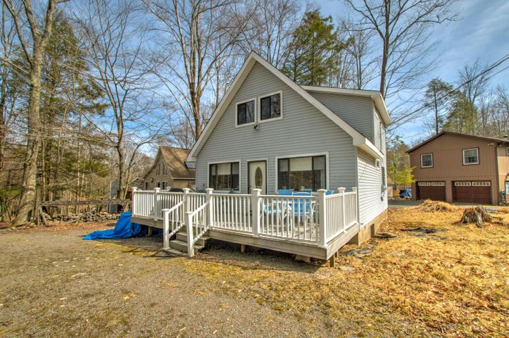 1018 Cottage Ln, Lake Ariel, PA 18436
